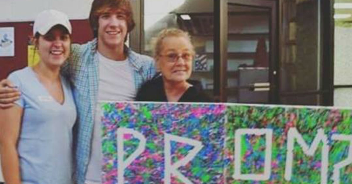 The internet rallies around an Alabama student who was told he couldn't take his grandma to prom