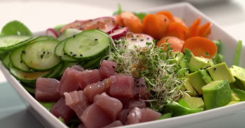 This easy and gorgeous ahi tuna poke bowl will make you the envy of any lunchroom