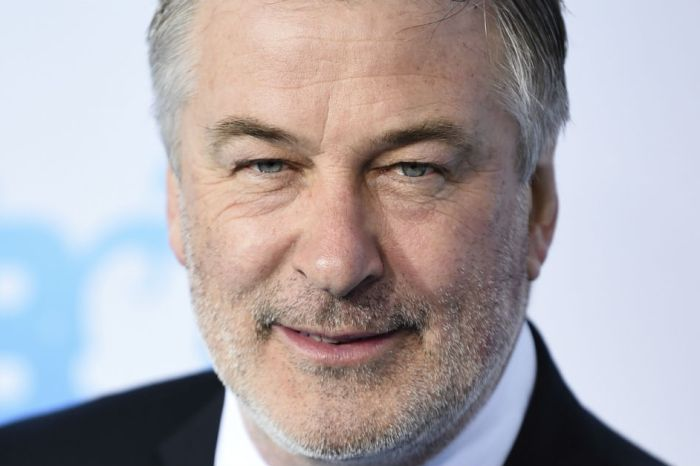 Alec Baldwin gushes about the first time he met Tina Fey