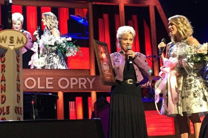 Carrie Underwood gets honored for an incredible milestone at the Grand Ole Opry
