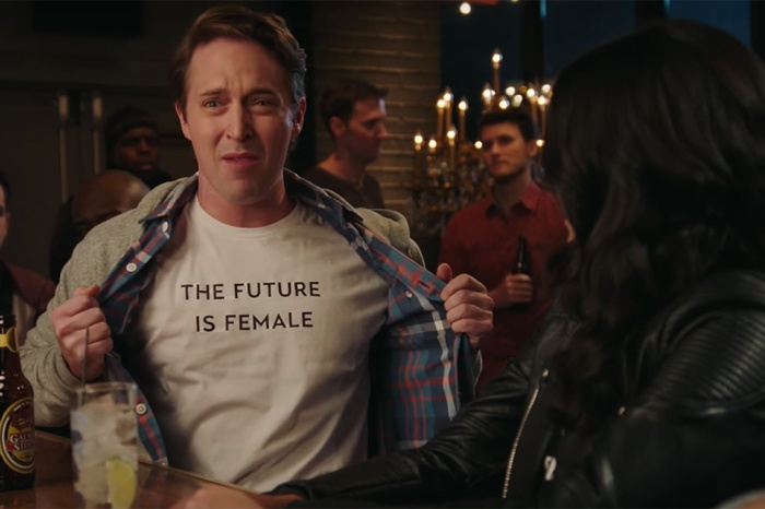 """Saturday Night Live"" Shows Just How Hard it is to Be a ""Girl at a Bar"""