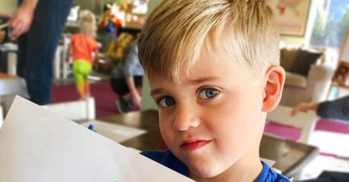 "Reese Witherspoon's son experienced serious ""preschool problems"" with this adorably bad spelling error"