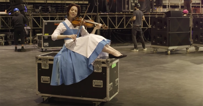 """Lindsey Stirling's violin performance of a Disney classic from """"Beauty and the Beast"""" is absolutely stunning"""