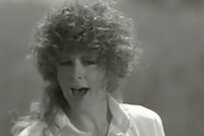 Reba McEntire broke millions of hearts with this '90s country classic