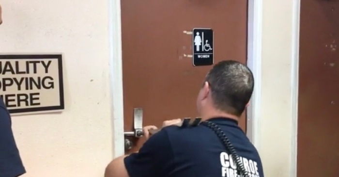 Conroe City Councilman proves why Texas needs SB 6 – the bathroom bill – after getting trapped in a water closet