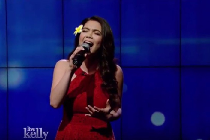 """Moana"" star Auli'i Cravalho stunned fans with this beautiful debut performance on ""Live! with Kelly"""