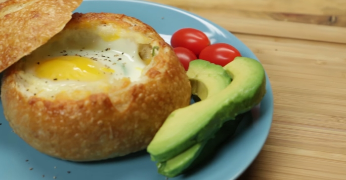 Bread bowls aren't just for soup — they will make all your brunch dreams come true too