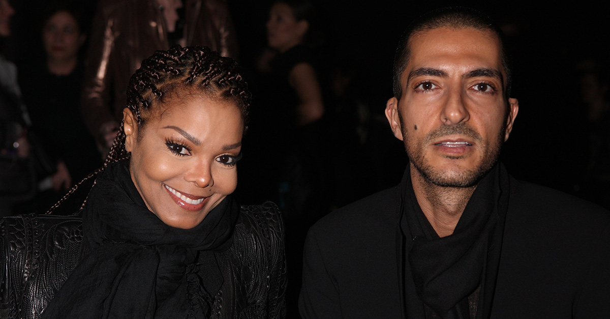Janet Jackson comes face-to-face with her estranged husband as they begin their divorce proceedings