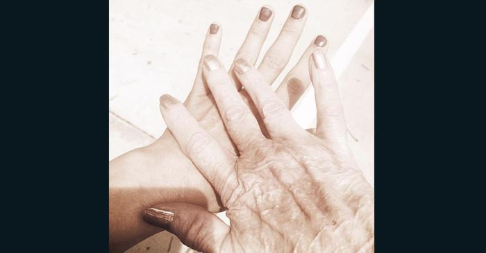 Miranda Lambert explains how she keeps her grandma with her on big occasions