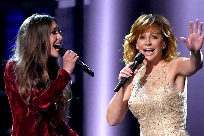 Reba McEntire shares her faith on the ACM Awards with this powerful duet