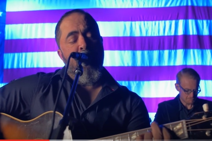 Check out this Aaron Lewis cover of a Chris Stapleton favorite