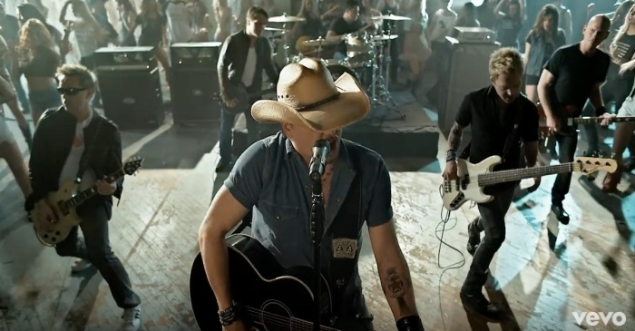 "There's a bromance brewing between Jason Aldean and ""Mr. 1994"""