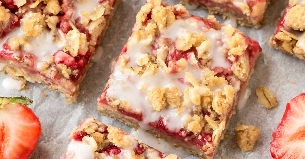 Take advantage of strawberries with these healthy oatmeal bars