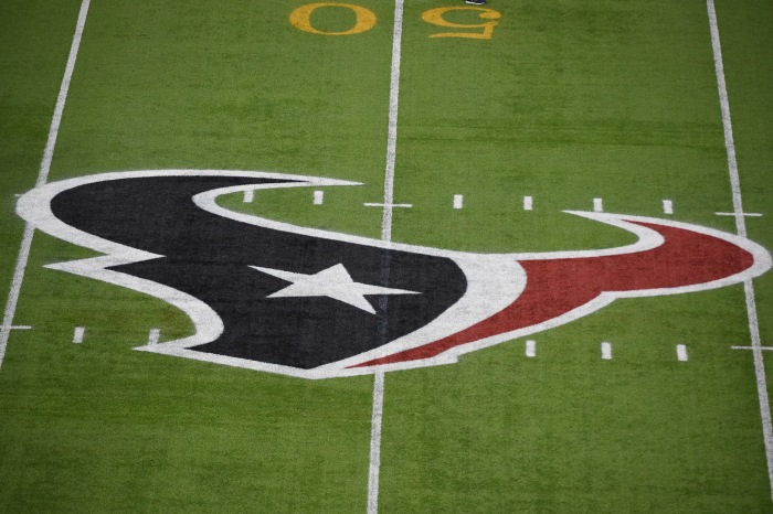 Offensive lineman returns to the Houston Texans after battle with lymphoma