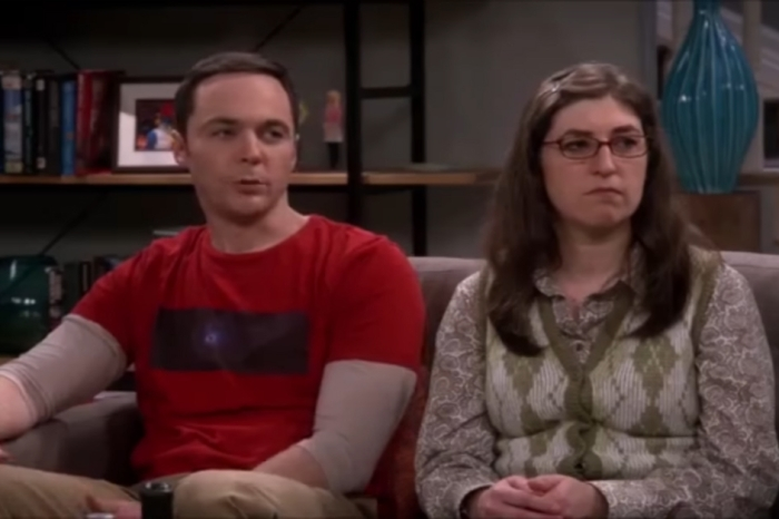 """""""The Big Bang Theory"""" is a very different show when Ricky Gervais replaces the studio audience"""