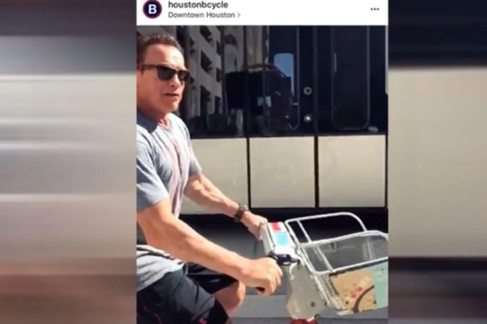 Arnold Schwarzenegger spotted in Houston riding a BCycle and dining at some local faves