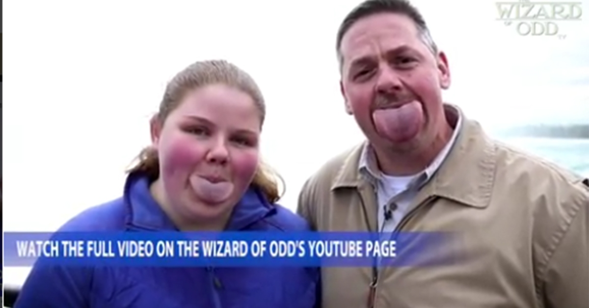 This father and his daughter have gigantic tongues, and they're not ashamed of it