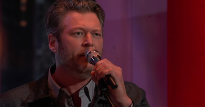 """Blake Shelton puts a broken heart on full display in this """"The Voice"""" performance"""