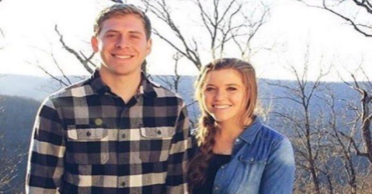 "Joy-Anna Duggar says ""I do"" to her  fiancé of three months"
