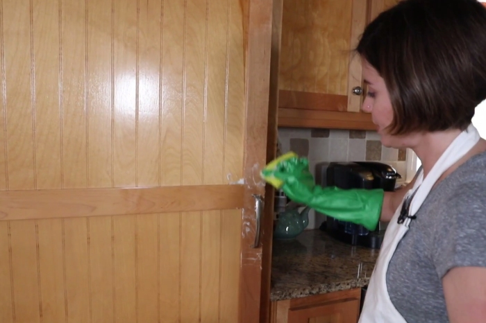 She uses these two all-natural ingredients to degrease her kitchen cabinets in seconds
