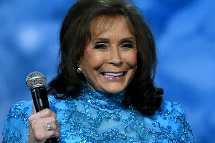 A country icon sends his prayers out to Loretta Lynn