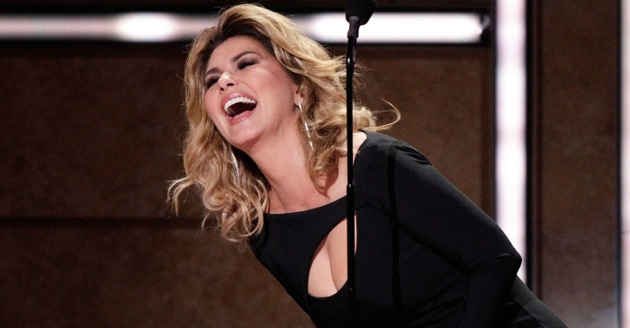 Shania Twain joins forces with a pop star for this flirty performance