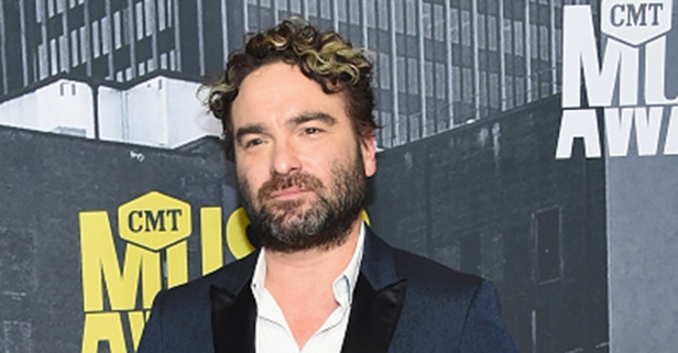 Johnny Galecki thanks the firefighters who helped him out when his home burned down during a massive wildfire