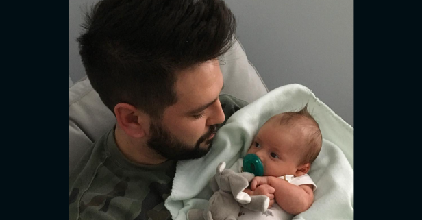This country star and his son get some serious bonding done during story time