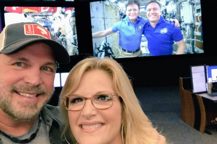 Garth Brooks uses Facebook live to serenade NASA astronauts in outer space