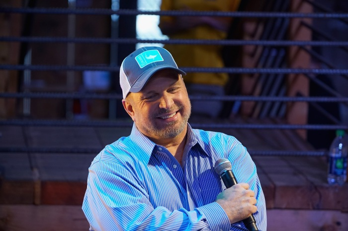 On Father's Day, Garth Brooks shares the best advice he's gotten, and given