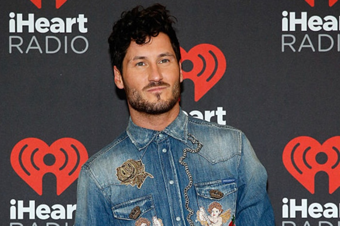 """""""DWTS"""" pro Val Chmerkovskiy shared a high school throwback that you need to see to believe"""