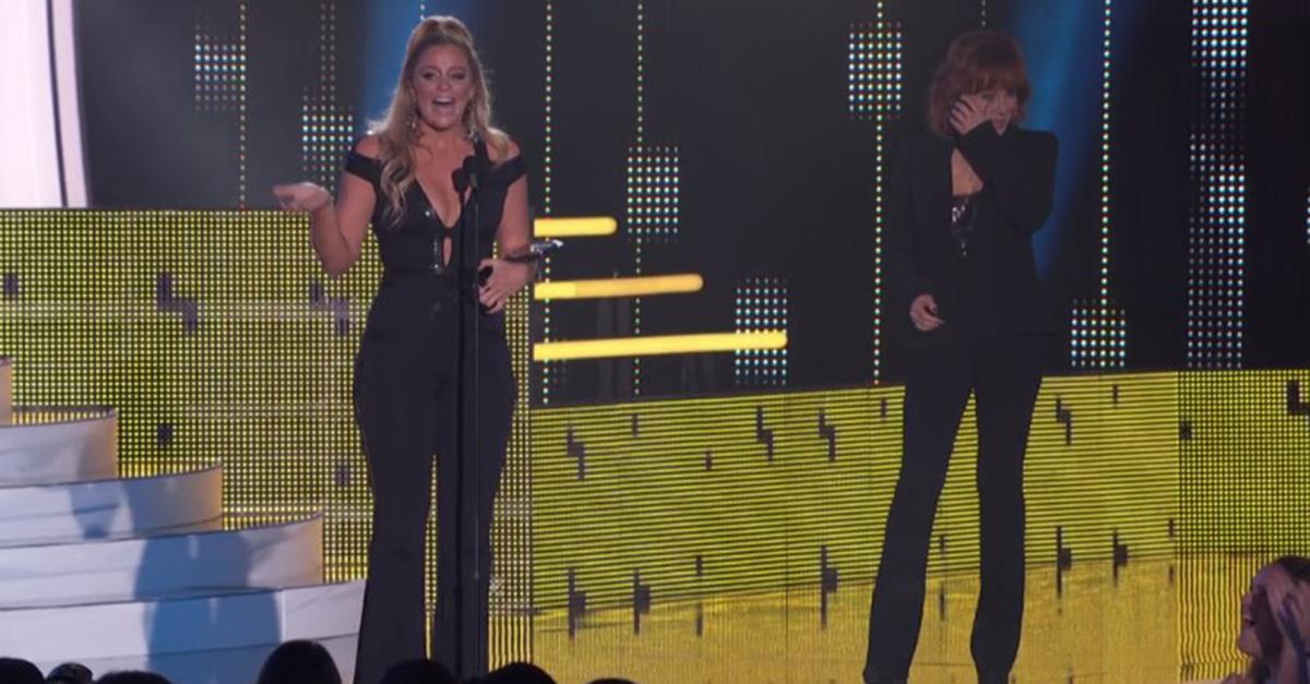 Watch Lauren Alaina bring Reba McEntire to tears with heartfelt acceptance speech