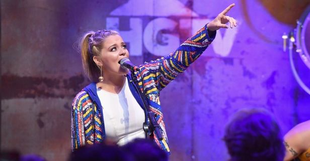 Lauren Alaina says sharing her most personal secrets is helping her young fans