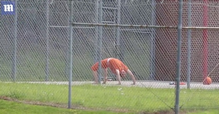 Accused leaker Reality Winner spotted in the yard getting her yoga on and not sweating that possible 10-year prison sentence