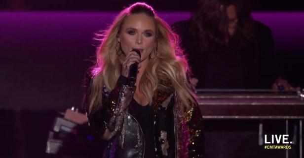 Miranda Lambert made sure her audience was pretty in pink