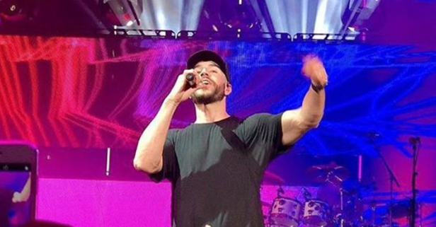 Sam Hunt makes his first return to the concert stage as a married man