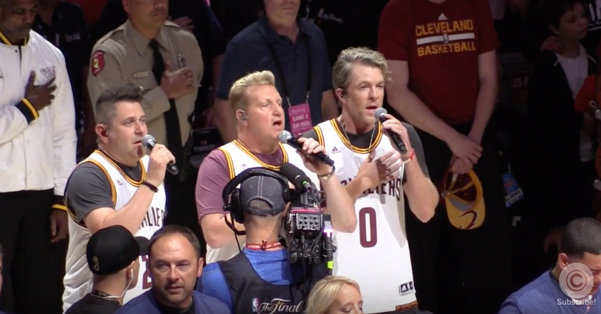 Rascal Flatts gave us chills with this patriotic performance