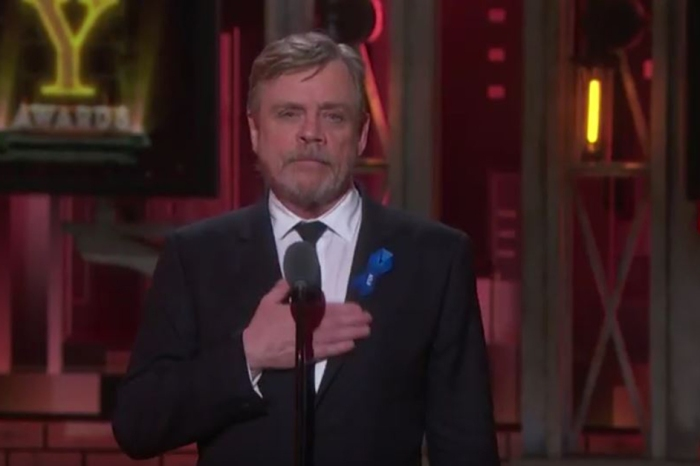 Mark Hamill made a sweet tribute to Carrie Fisher while presenting the In Memoriam at the Tony Awards