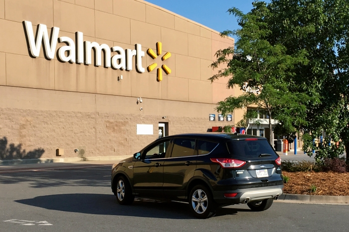 Missouri Woman Gives Birth in Walmart Toilet Paper Aisle