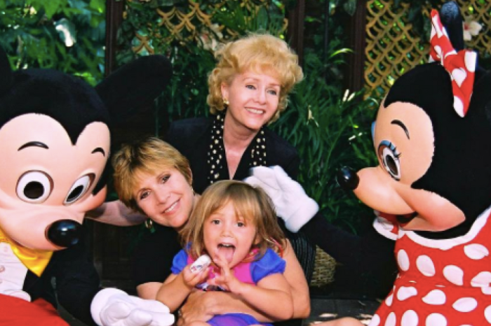 Billie Lourd honors mom and new Disney Legend Carrie Fisher with the perfect throwback picture