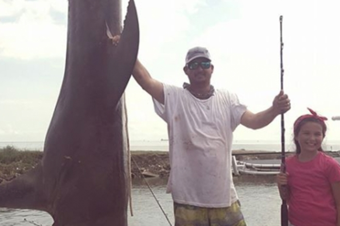 Texas City angler reels in massive, record-breaking shark