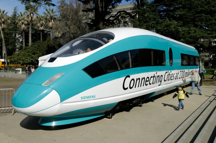 Mayor Turner backs Houston-to-Dallas bullet train plan