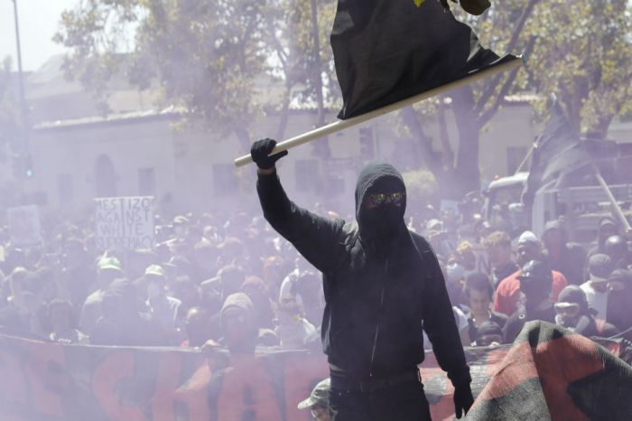 Antifa infiltrate a California rally, clashing with protesters and leading to arrests