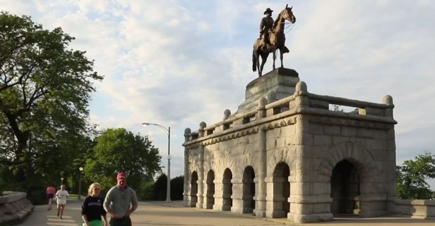 Chicago has nearly 300 public statues — take a tour of them with this illuminating video