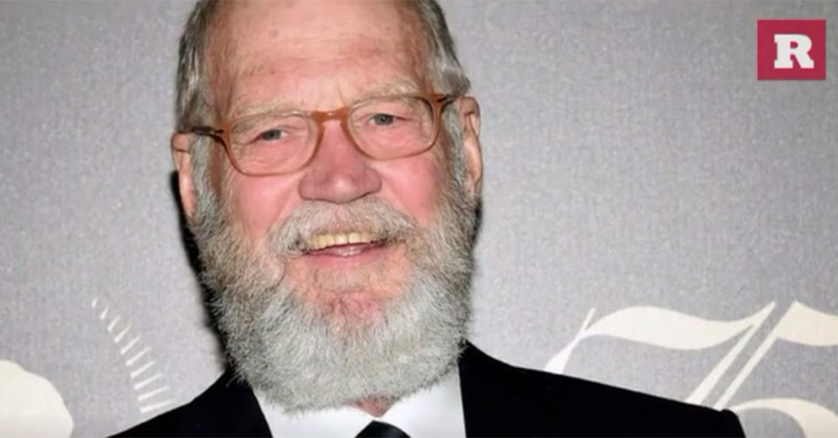 David Letterman takes selfies in Chicago while filming Netflix show