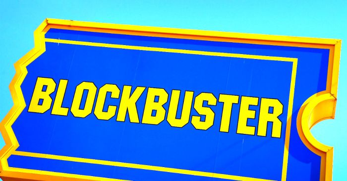 There's only a handful of Blockbuster stores alive, but one of them is killing Twitter