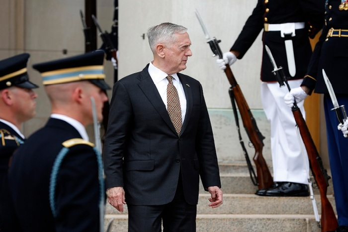 Mattis refreezes Pentagon policy on transgender troops
