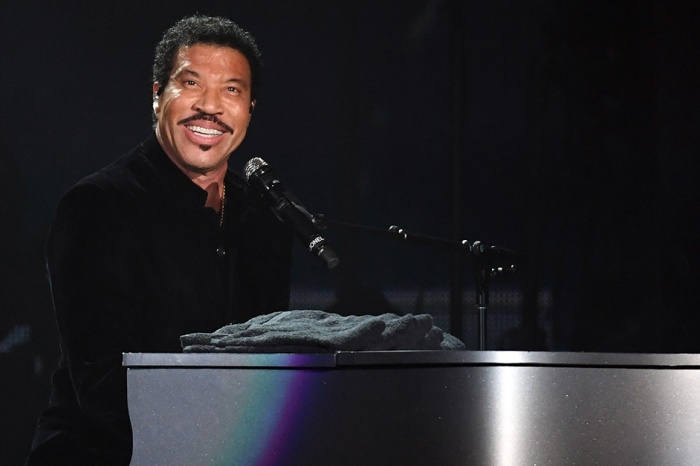 After a short break, Lionel Richie is bringing his music back for another Las Vegas residency