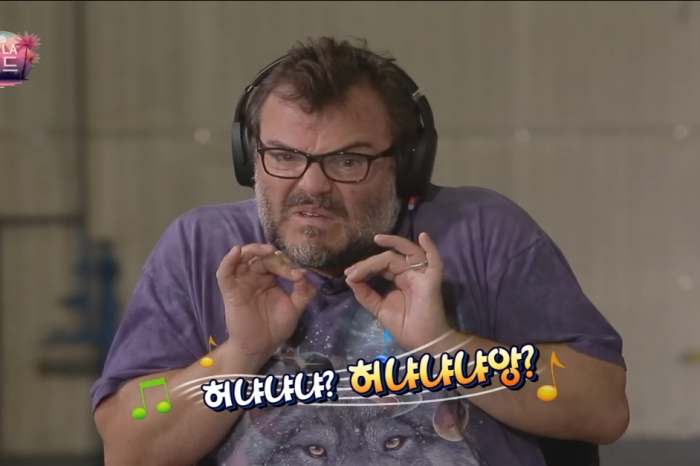 Jack Black appeared on a Korean TV show and tried to sing Korean pop songs