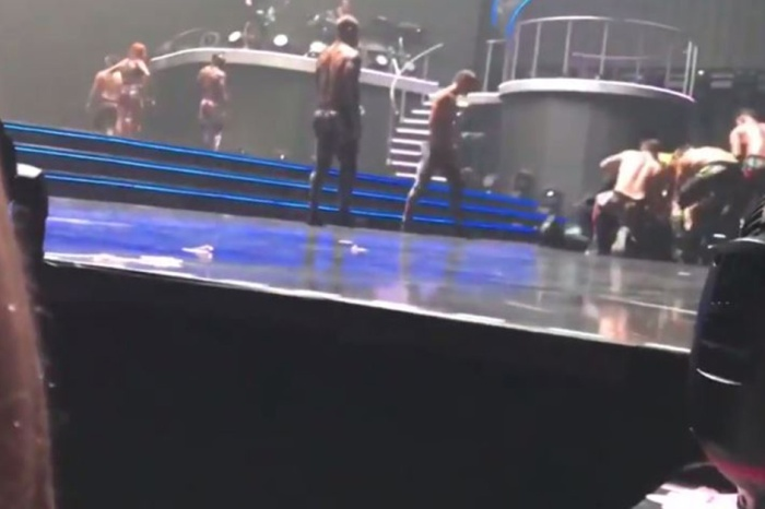 Britney Spears' backup dancers sprang into action when a guy bum-rushed the stage at her Vegas showcase